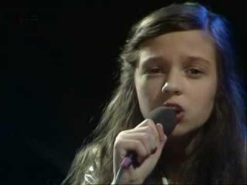 Andrea Jürgens - Und dabei liebe ich Euch beide 1978 from YouTube · Duration:  3 minutes 6 seconds