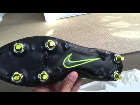 b12d85cea First look: Unboxing Nike Magista Obra SG-PRO AC - ANTI-CLOG Limited  Edition - YouTube