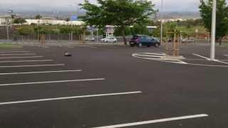 Mode modelisme su parking Decathlon Saint Pierre 1/10