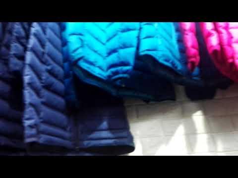 Магазин одежды TIKI CLOSET на 2-й линии. Джинсы, куртки, спорт, футболки.