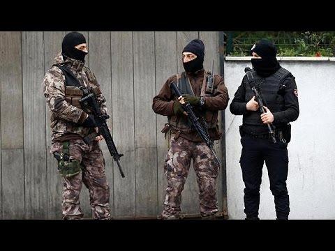 "Turkish police ""closing in"" on Reina attacker"