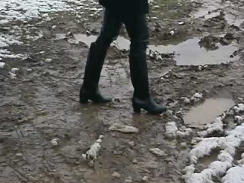 Walk In The Mud With Rubber Boots Youtube
