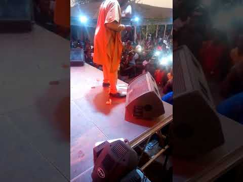 Gozie okeke singing for Chinyere Udoma