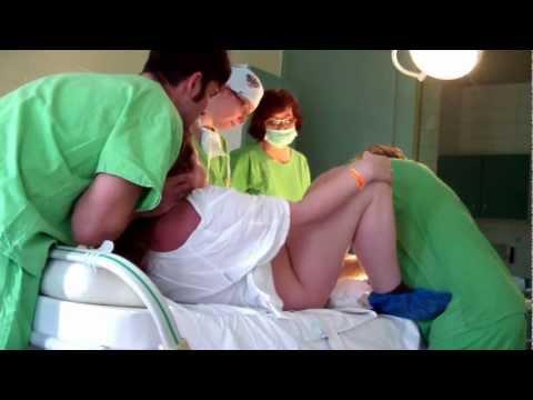 Я родила сынишку очень быстро за 2 часа без разрывов и разрезов.