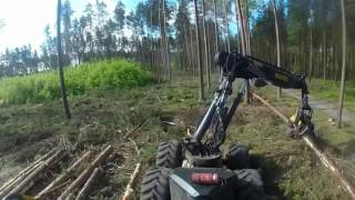Harvester Ponsse Ergo skleja i sadzi drzewa xD