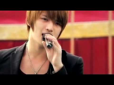 DBSK - Bolero (Live at Unversal Studios Japan).mp4