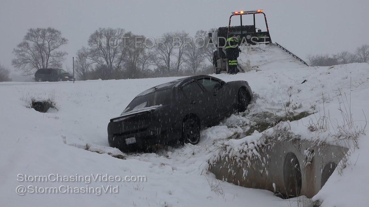 Rockford, IL Heavy Snow, Accidents & Snow Plows - 12/11/2016