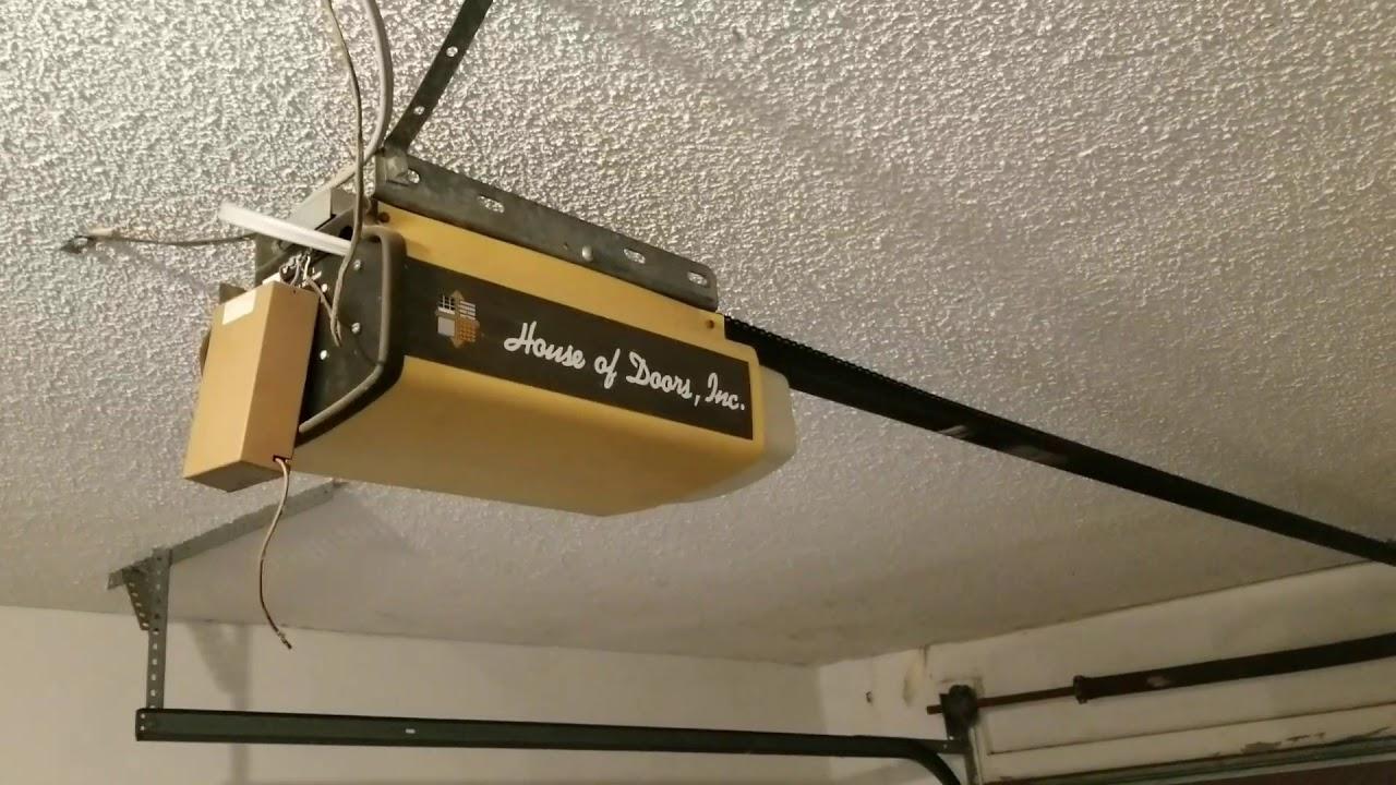 Old overhead garage door and opener from 80.s - YouTube