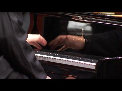 Ravel: Klavierkonzert D-Dur ∙ hr-Sinfonieorchester ∙ Jean-Efflam Bavouzet ∙ Juraj Valčuha