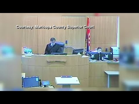 Video: Arizona Defendant Punches Lawyer in the Face after