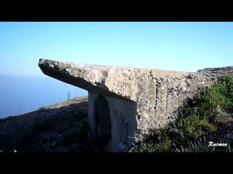 Bunker con vistas a la playa de la arena ( Muskiz ,Vizcaya )