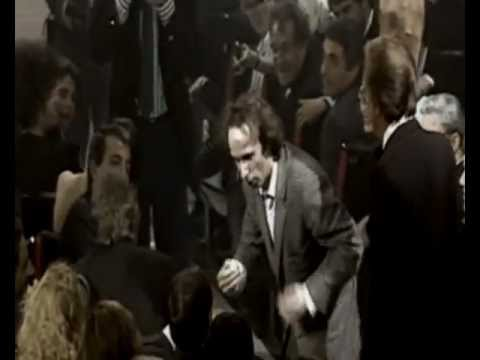 MEMORABILE: Benigni vs Berlusconi face to face!