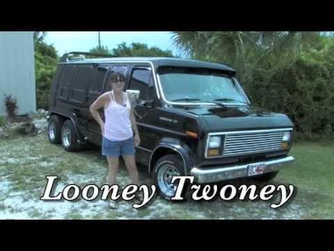 Looney Twoney Custom 1985 Ford Van