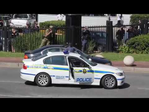 South African Police Stand Off With Armed Robbers