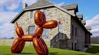 Jeff Koons on Balloon Dog (Orange)