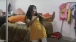Afghan girl gull pary dancing to shabnam suraya song