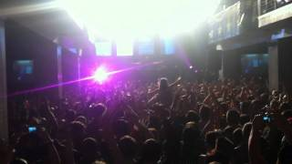 Steve Aoki Drops Tommy Trashes Remix of Ladi Dadi At Epic Minneapolis, MN