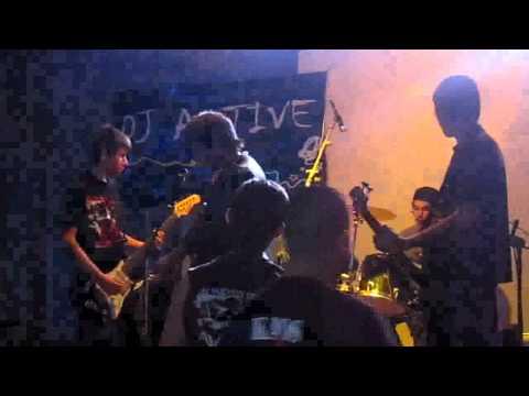 Barricada (cover 2 Minutos) - Rapsodia Macabra.avi