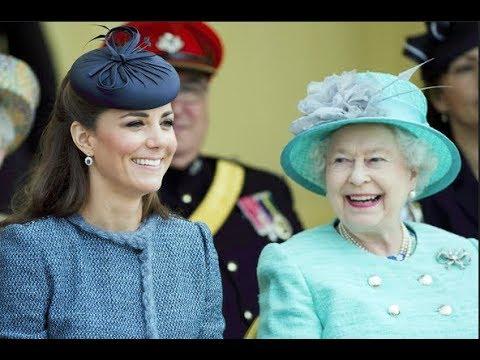 Kate Middleton Fakes Perfect Royal Escort Smile: Queen