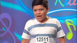 Idolos Kids: Temp 02 - Episodio 3 - Com energia e carisma de sobra, Gabriel conquista os jurados