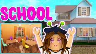 Building a SCHOOL in Bloxburg (MY TOWN) - Roblox