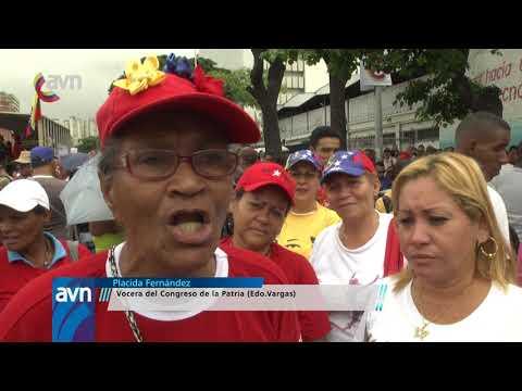 Pueblo venezolano colmó Miraflores en defensa de la soberanía