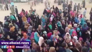 إقبال كبير على قافلة جامعة بنها بقرية عرب العطيات فى أسيوط.. فيديو وصور