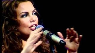 """Linda Leen """"Lūgums"""" (intro) Labāko dziesmu koncerts Arēnā Rīga 14.02.2011"""