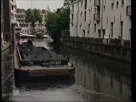 Afscheid Van Huisvuiltransport Over Water Van De Amsterdamse Stadsreiniging