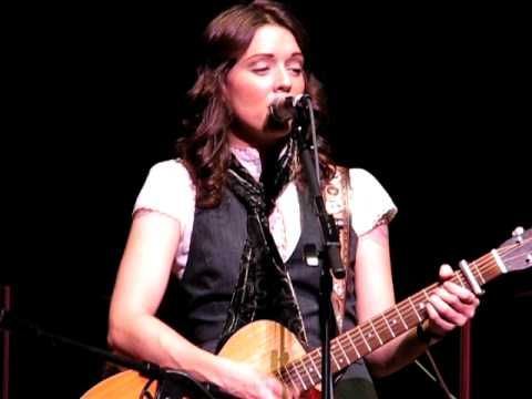 Brandi Carlile - The Story (w/ The Seattle Symphony)