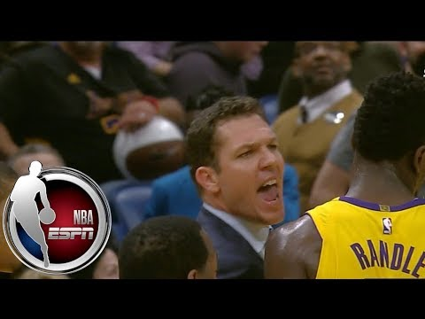 Luke Walton gets heated after being ejected from Lakers-Pelicans | ESPN