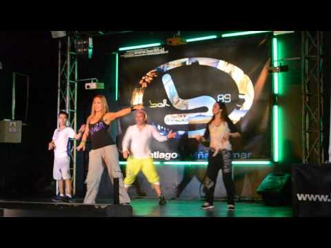 "Raquel Call ensinando Zumba Fitness em Santiago Chile   ""La Isla Bonita""   Bar 89"