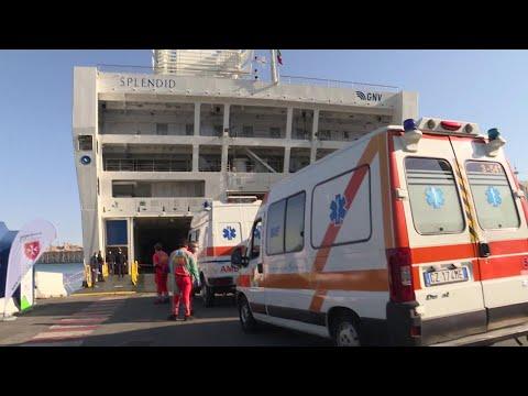 Coronavirus, a Genova sono arrivati i primi pazienti sulla nave ospedale