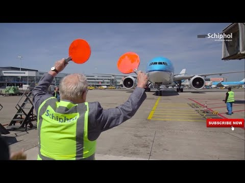 Retired Airline Pilot welcome Son on his retirement day,Heart touching moment
