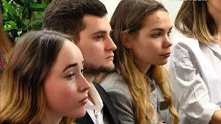 Диалог на равных провёл с молодёжью Дмитрий Азаров