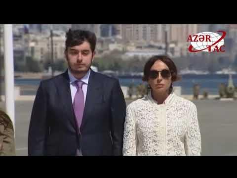 Azərbaycan Prezidenti İlham Əliyev Dövlət Bayrağı Meydanında olub