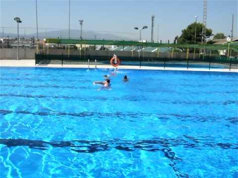 Cursos de nataci n para ni os en la piscina de for Piscina plastico ninos