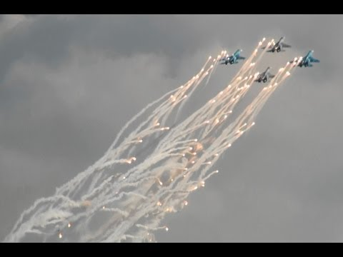 Su-27 Dog Fight Sokoly Rossii Russian Air Force 100th Anniversary Air show 2012