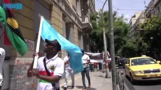 Мигранты из Биафра напомнили о своей стране митингом на улицах Афин