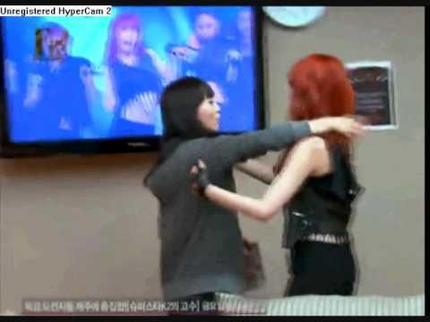 Wonder Girls Moment #1 (SunYe & Hyun A)