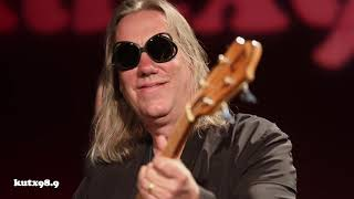 """Violent Femmes """"Another Chorus"""" Live in KUTX Studio 1A"""