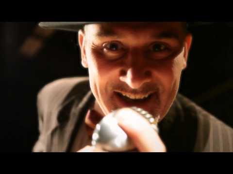 Franco Tufano canta  Mambo italiano successo di Dean Martin