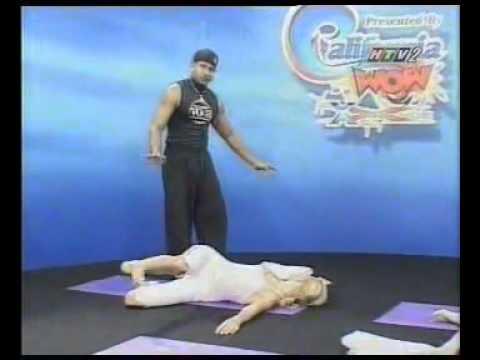 Bài tập yoga giúp eo thon