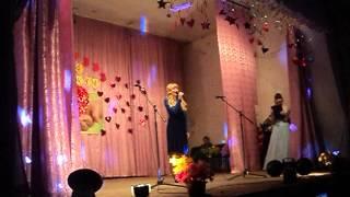 Красиво поёт! Девочки 11 лет!