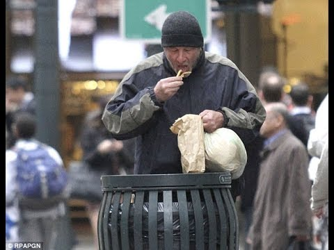 New York Tourist Gives a Homeless Man her Leftover Pizza Only to Realize it was RICHARD GERE!!!
