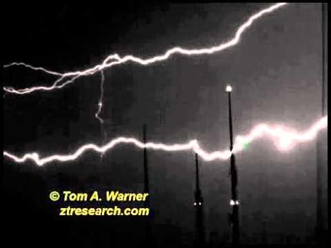 Ken Shoulders - Lightning video #4