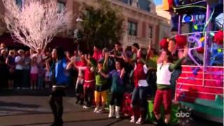 Demi Lovato - A Wonderful Christmas Time (Disneyland)