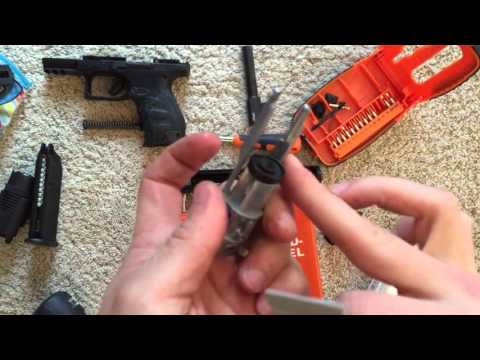 Walther ppq Airsoft pistol cleaning (Nederlands)