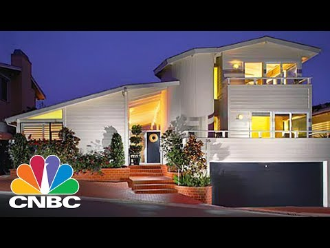 Inside Warren Buffet's $11M Laguna Beach House | Power Lunch | CNBC