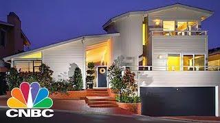 Inside Warren Buffet's $11M Laguna Beach House   Power Lunch   CNBC